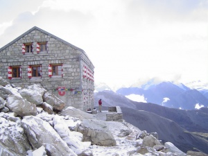 Photo of the Rothorn Hut